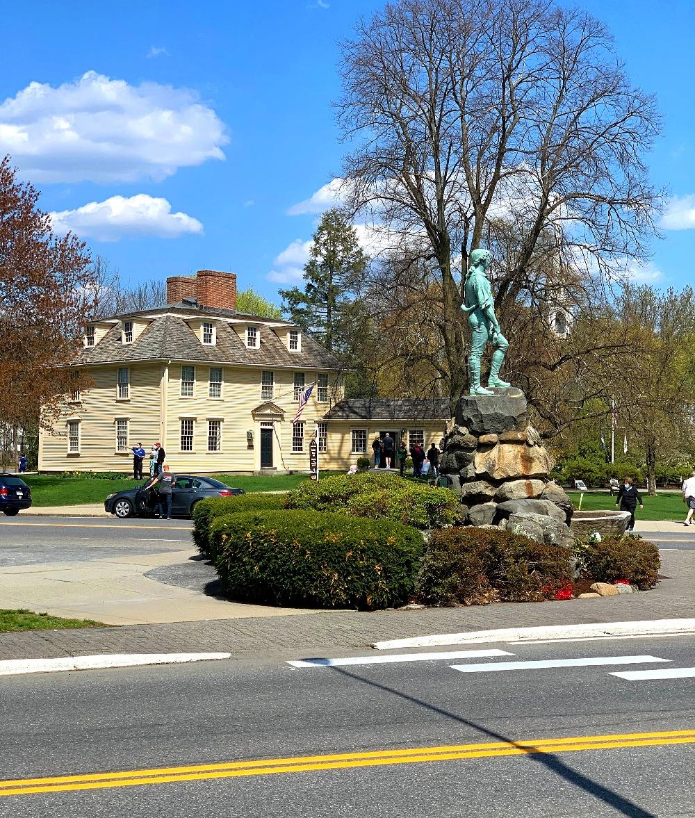 lexington historic statues